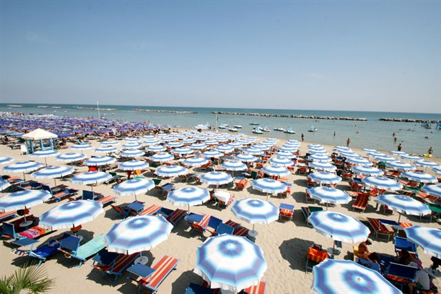 San mauro mare 1 spiaggia per la balneazione dei cani in - Bagno delio san mauro a mare ...